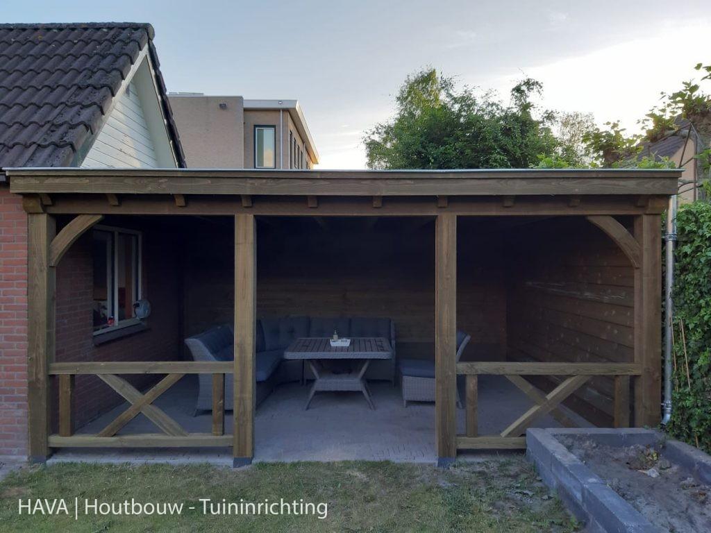 Houten-veranda-geïmpregneerd-met-veranda-kruizen