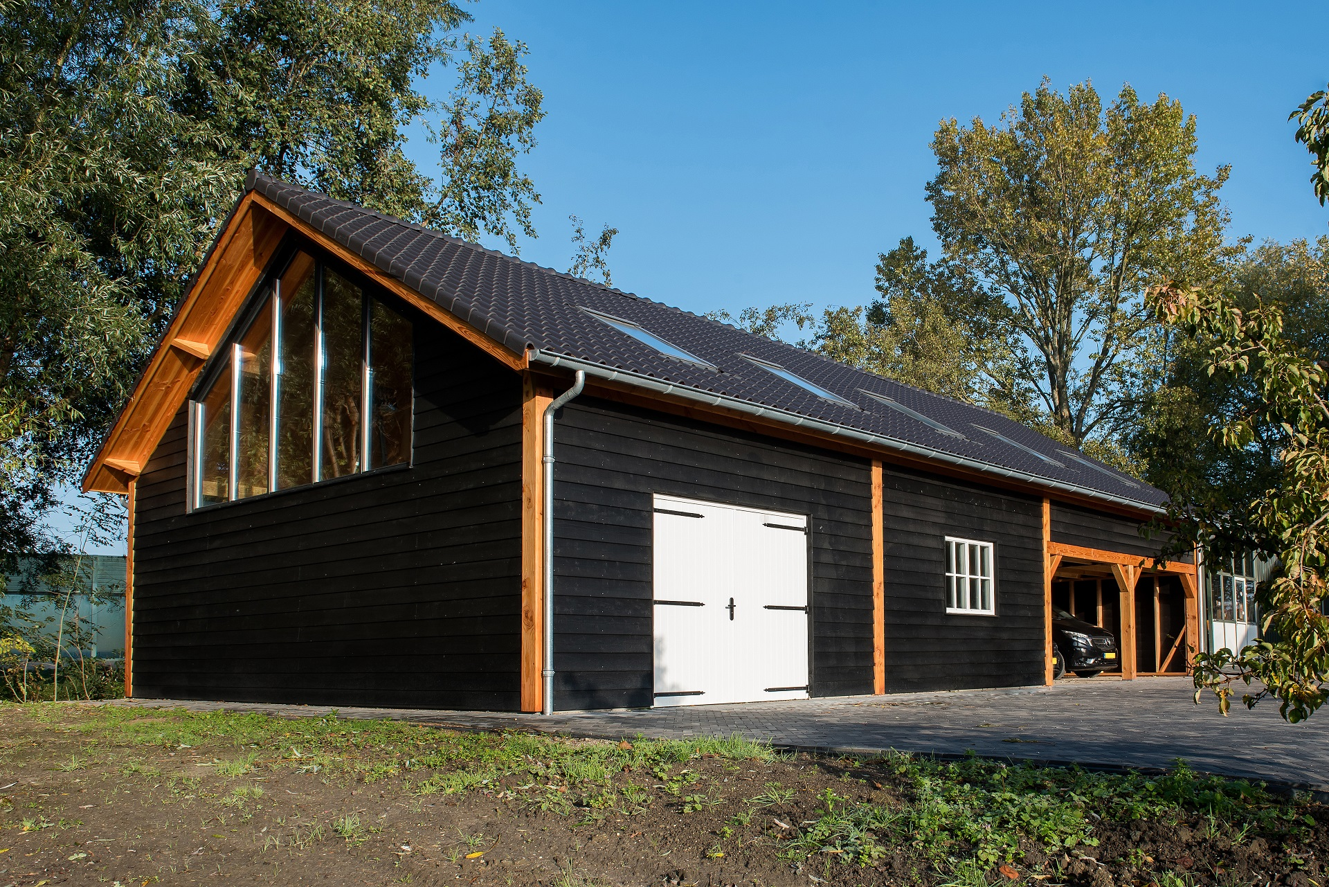 Garage met zolder van Douglas hout