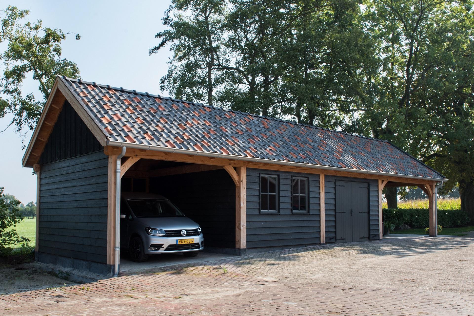 Houten garage met carport van Hava