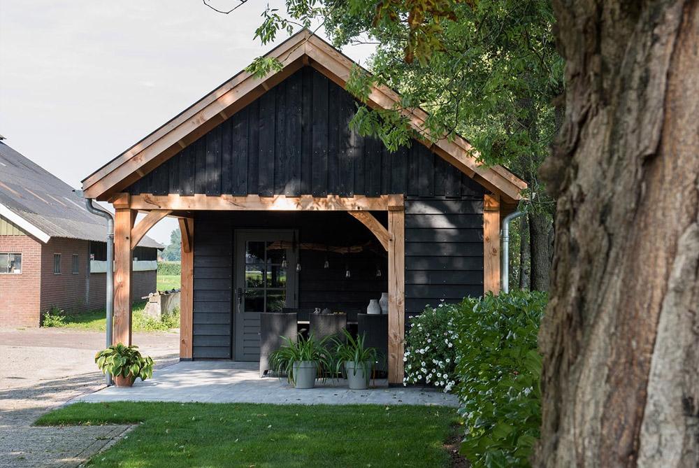 Houten garage van douglas hout