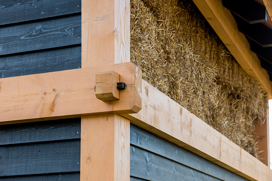 Kosten hout onderdeel van kosten tuinhuis met overkapping